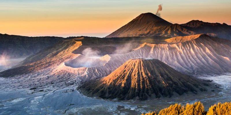 Gunung Berapi Paling Menakjubkan di Indonesia