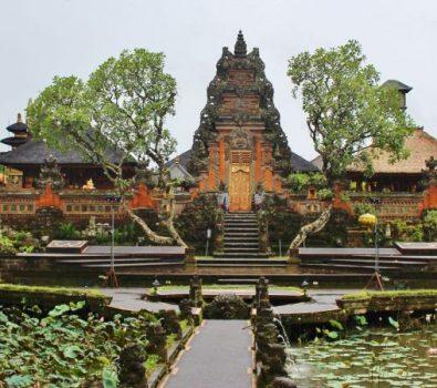Jelajahi Kuil Favorit Saat Berkunjung ke Bali
